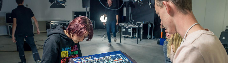 Beeld & Geluid - Audiovisueel specialist & Podium en Evenementen Techniek BOL Ede