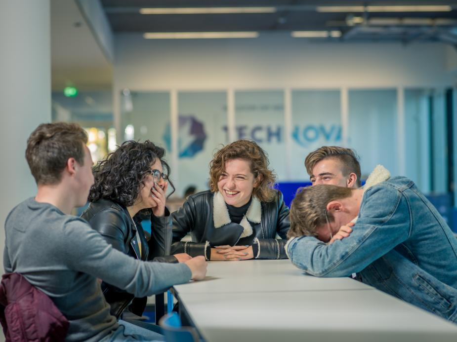 Studenten Technova College